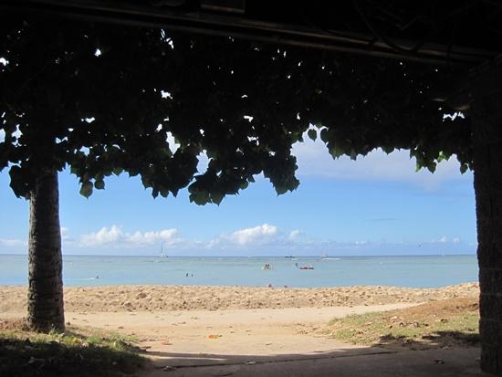 ハワイのワイキキビーチでX1 Carbon