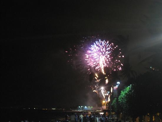 ハワイ ヒルトンホテルの花火