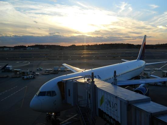 成田空港の夕焼け