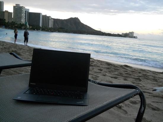 ハワイのビーチでx1 carbon