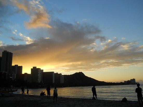 Waikiki Beach SunRizeワイキキビーチのサンライズ