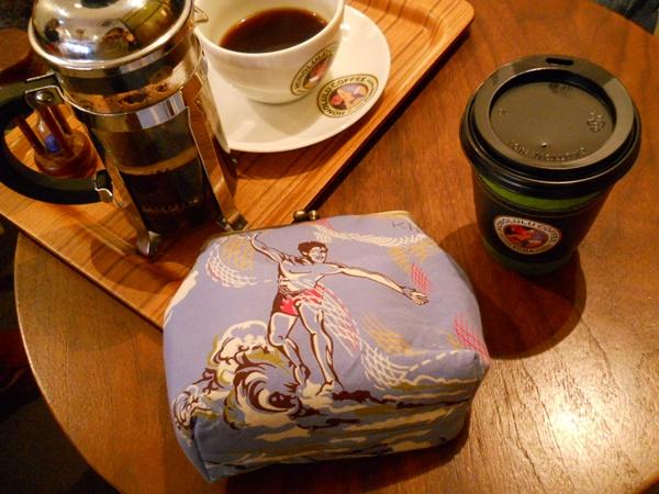 KONA BAY HAWAII のアロハ小物をホノルルコーヒーで