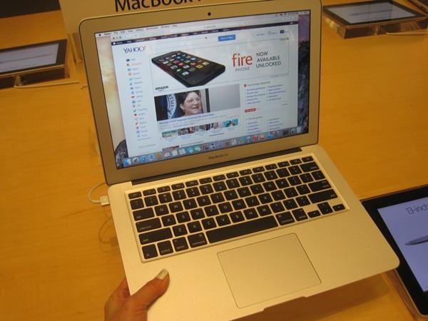 MacBookAir13とX1Carbonの重さを比較