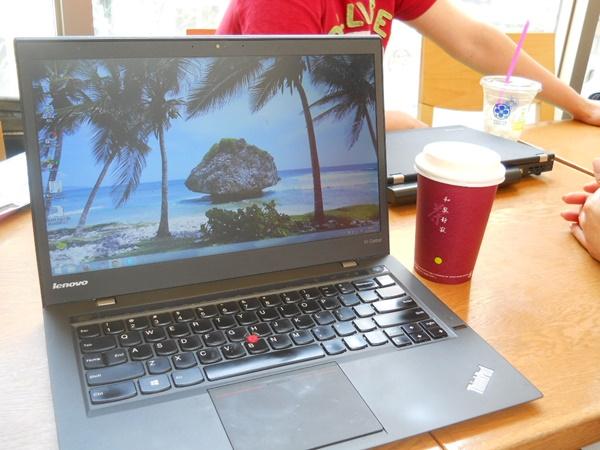 ThinkPadX1Carbon カフェにて打ち合わせ