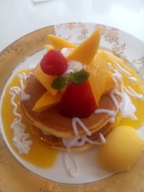 フルーツパーラー西村の宮崎マンゴーパンケーキ
