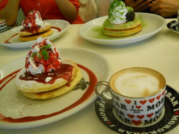 Morokobarモロコバーのカフェでパンケーキ