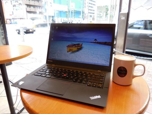 カフェで待ち合わせの前にひと仕事。X1 Carbonのちょっとしたデメリット