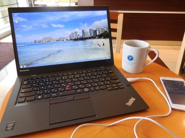 ThinkPad X1 Carbon 2015を使ってみた!カフェでテキスト入力すると・・・