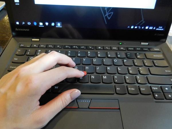 ThinkPad X1 Carbon 2015タッチパネルをお借りしました