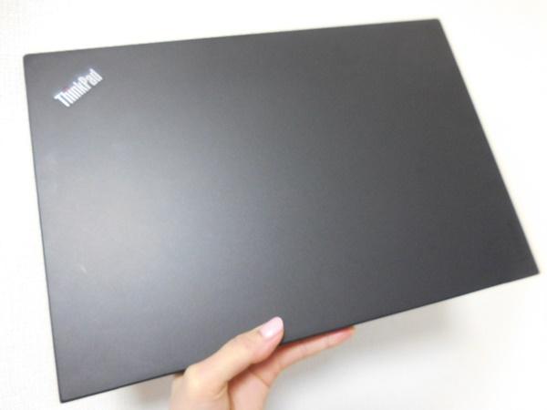 ThinkPad X1 Carbon 2016 外観や仕様をレビュー。持ってみると軽い♪