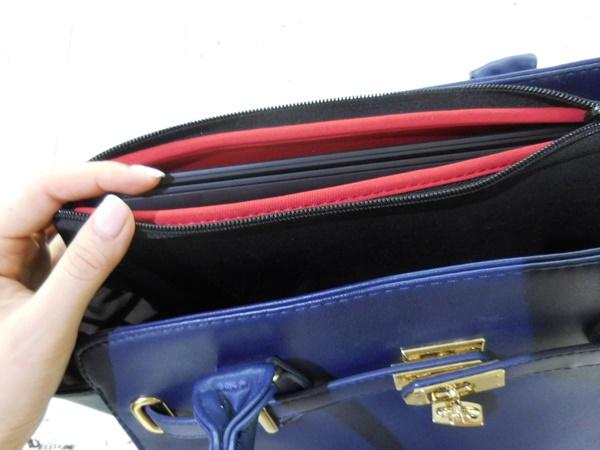 ThinkPad X1 Carbon 2016 を持ってお出かけ 薄いからバッグにおさまりがいい