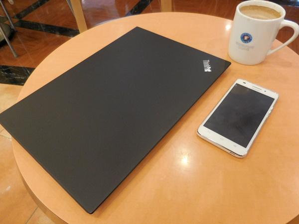 ThinkPad X1 Carbon 2016 を持ってお出かけ