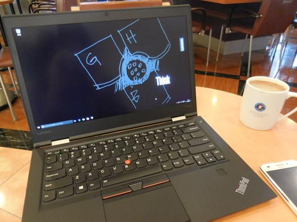 ThinkPad X1 Carbon 2016 を持ってお出かけ。
