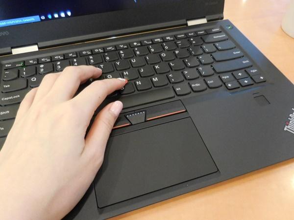 ThinkPad X1 Carbon 2016 を持ってお出かけ。キーも打ちやすい♪
