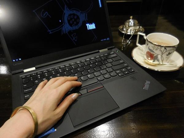 恵比寿の備屋珈琲でThinkPad X1 Carbon 2016 を広げて・・・