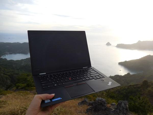 小笠原諸島・父島にもThinkPad X1 Carbonを持っていく。島時間のサンセット