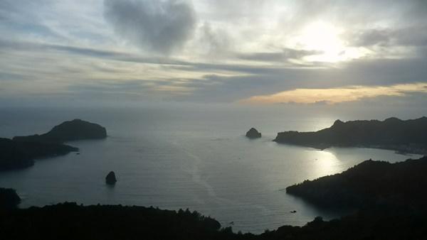 小笠原諸島・父島にもThinkPad X1 Carbonを持っていく。夕日がきれい
