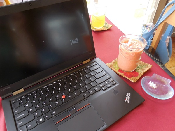 ThinkPad X1 Carbon 2016を旅先に持って行っての感想とレビュー