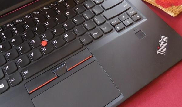 ThinkPadユーザーなら、この赤いポッチ
