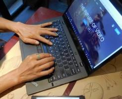 ThinkPad X1 carbon の画面が大きいのがいい